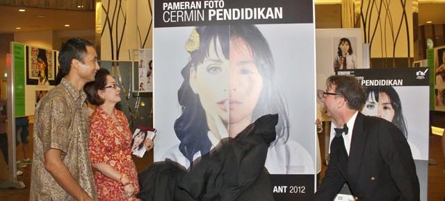 """Pembukaan Pameran Foto """"Cermin Pendidikan""""- PPG 2012"""
